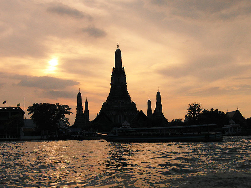 Sunset by Wat Arun